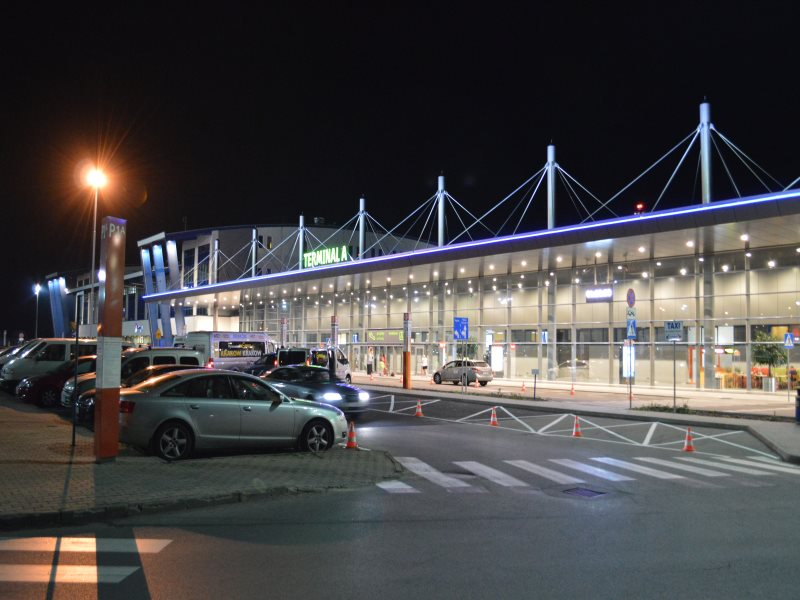 Pyrzowice_Katowice_Airport_noc_NEW