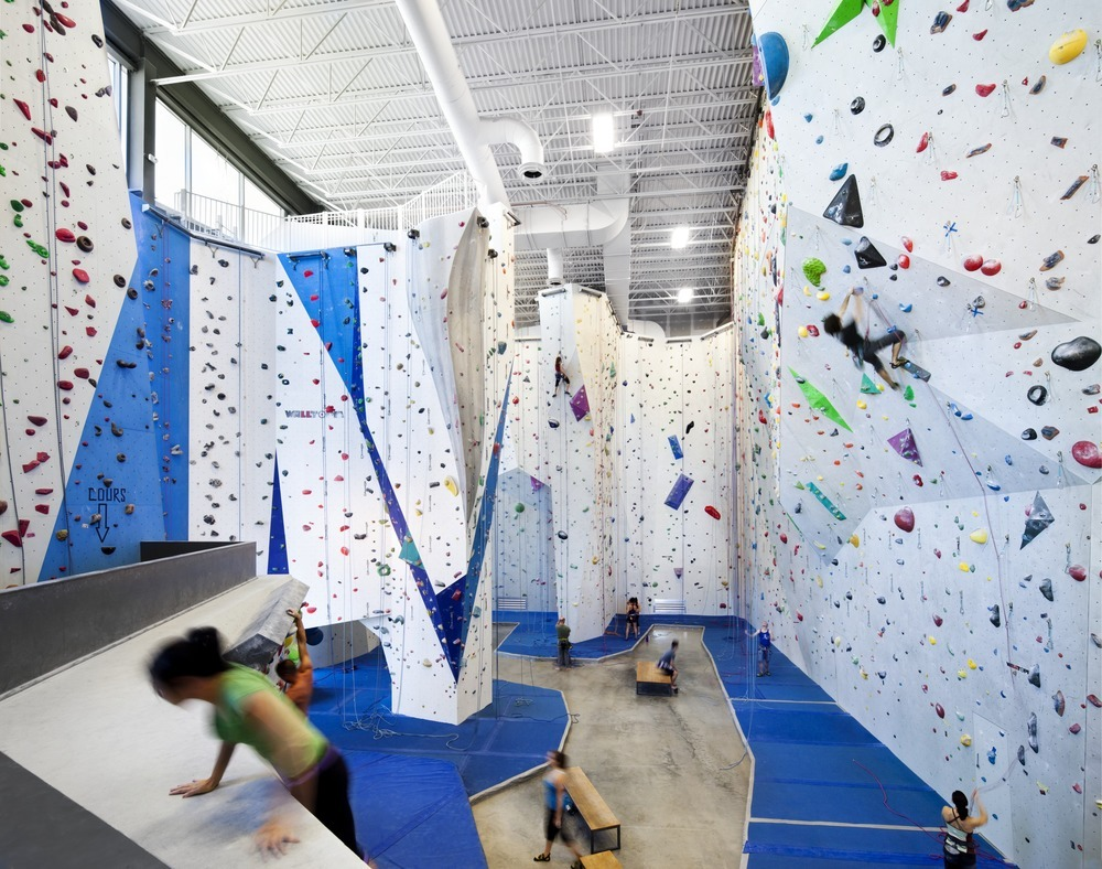 53022e57e8e44ec49000001b_allez-up-rock-climbing-gym-smith-vigeant-architectes_1117-01_10_sc_v2com