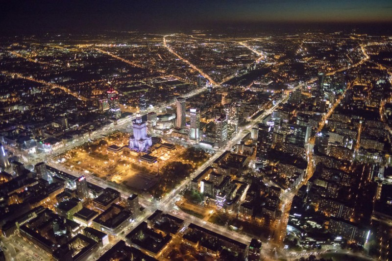 i-was-flying-3000ft-above-ground-in-warsaw-poland-to-make-the-photos-no-one-did-before-11__880