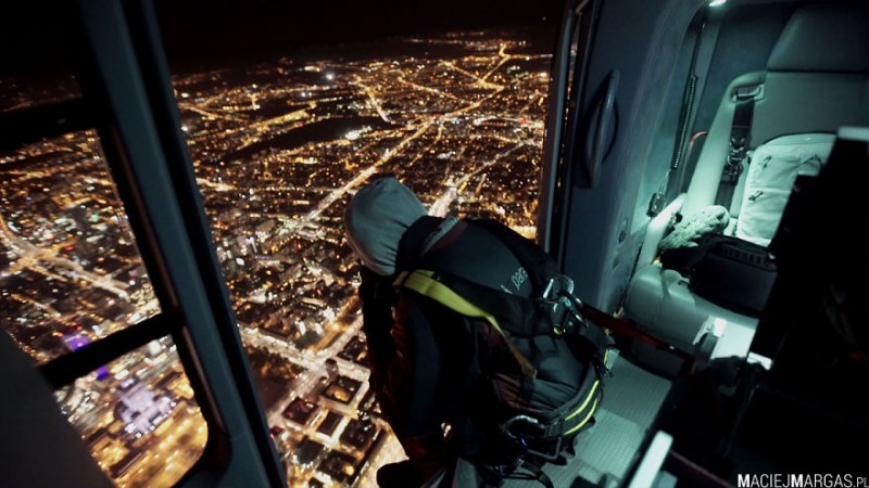 i-was-flying-3000ft-above-ground-in-warsaw-poland-to-make-the-photos-no-one-did-before-17__880