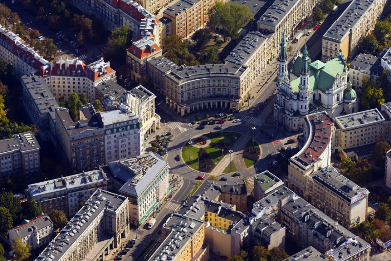 i-was-flying-3000ft-above-ground-in-warsaw-poland-to-make-the-photos-no-one-did-before-3__880