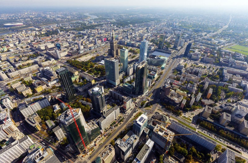 i-was-flying-3000ft-above-ground-in-warsaw-poland-to-make-the-photos-no-one-did-before-7__880
