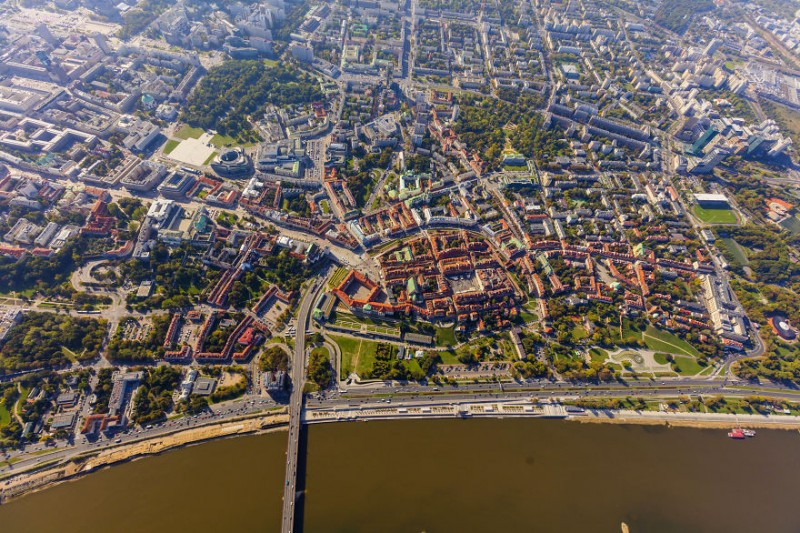 i-was-flying-3000ft-above-ground-in-warsaw-poland-to-make-the-photos-no-one-did-before-8__880