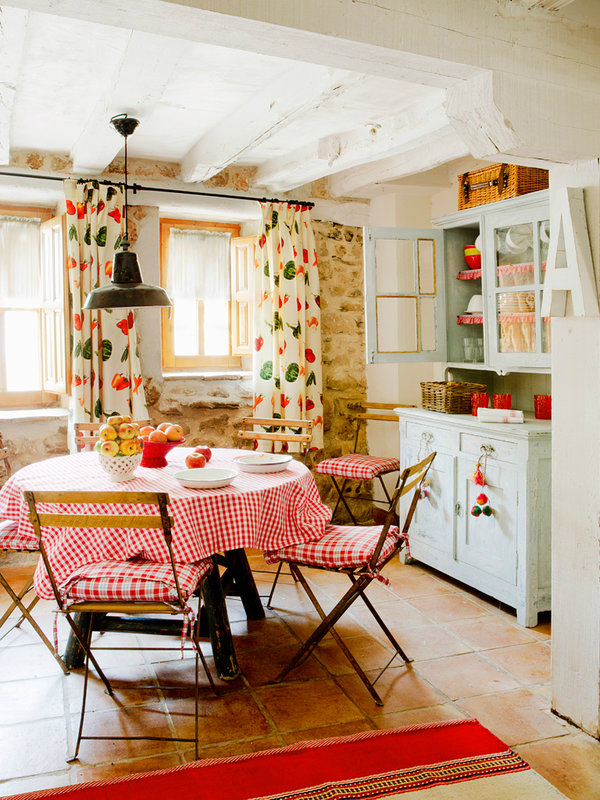colorful-rustic-cottage-home-interior-11