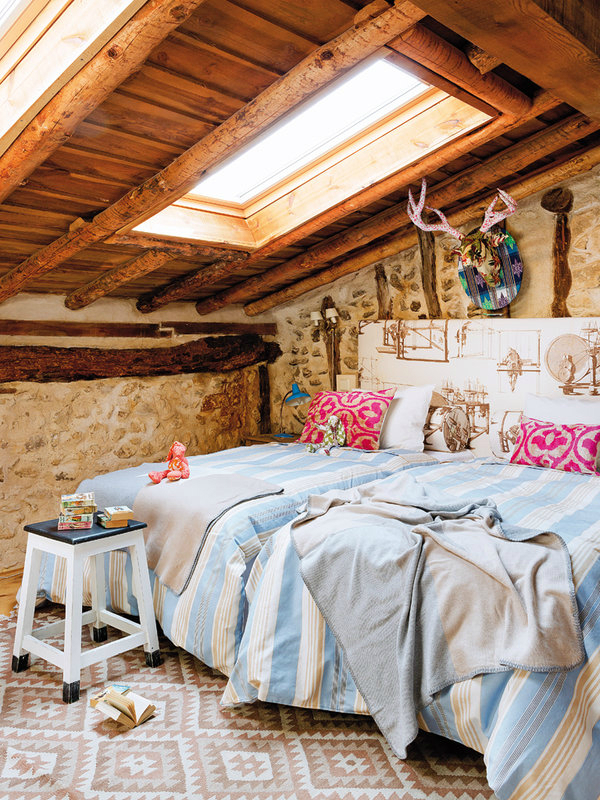 colorful-rustic-cottage-home-interior-13