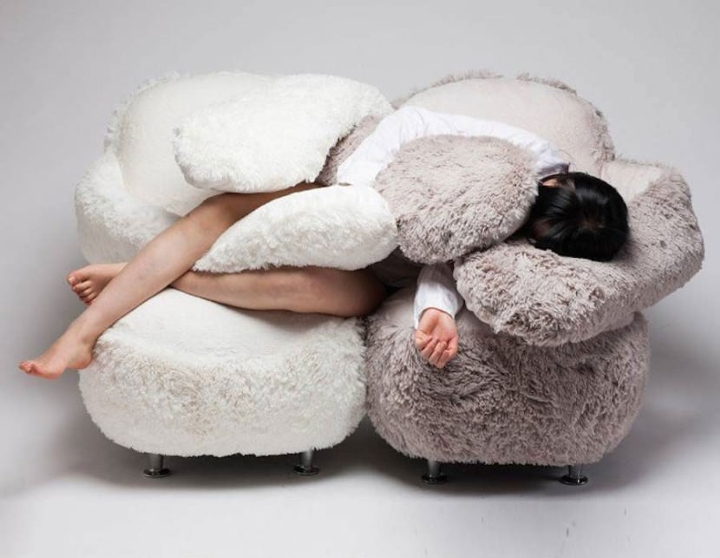 This-sofa-will-wrap-its-arms-around-you-for-max-comfort1-830x643