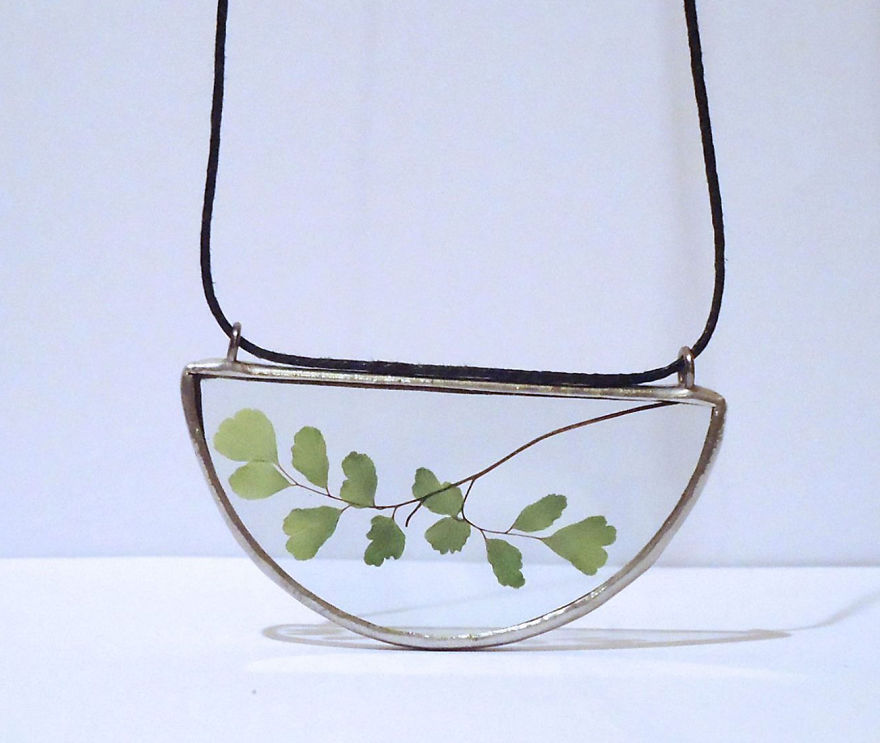 nature-inspired-accessories-with-real-flowers-inside-14__880