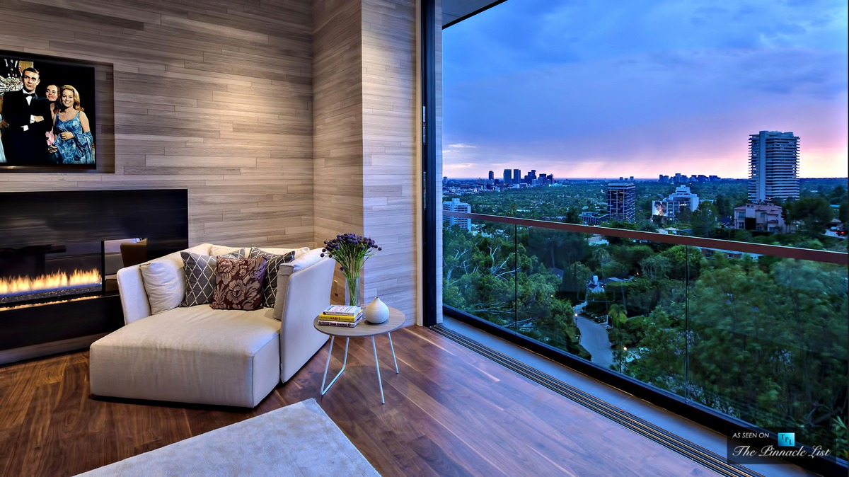 Bedroom-with-a-view-Fireplace